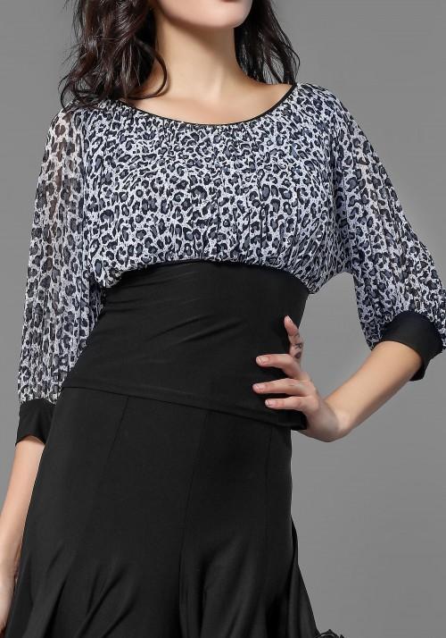 Half Sleeve Leopard Crepe Top