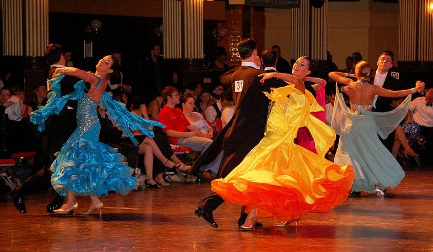 5 Tips On Choosing Your Ballroom Dance Costume