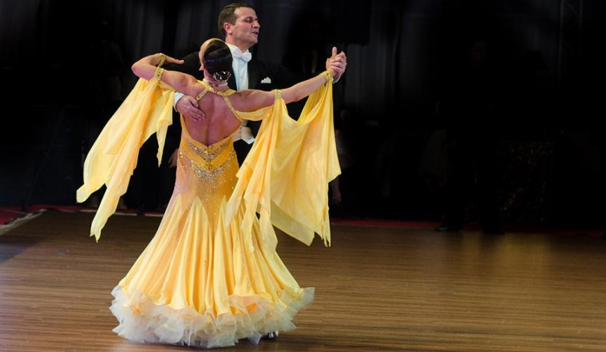 Essential Tips on Choosing Your Ballroom Dance Costume